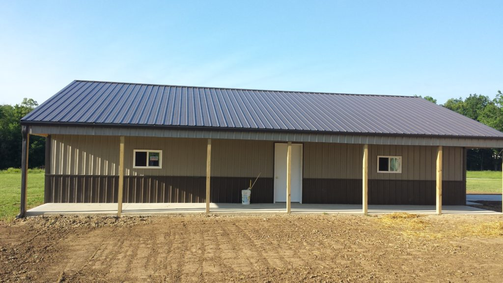 gable pole barn with 24 overhangs - Pole Barn Design Ideas